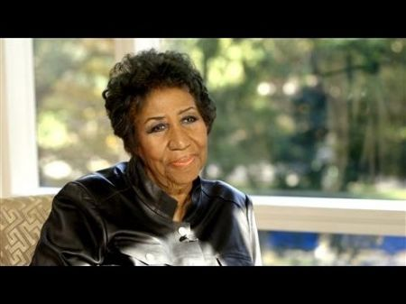 Aretha Franklin says it and sings it her way on 'The Talk'