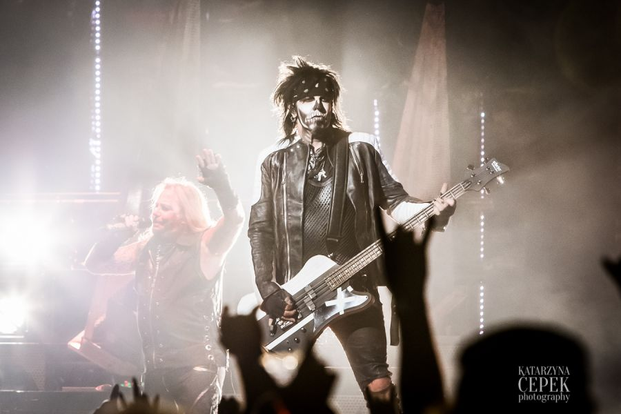 Mötley Crüe bring bombast, spectacle and Alice Cooper to final Idaho perfomance