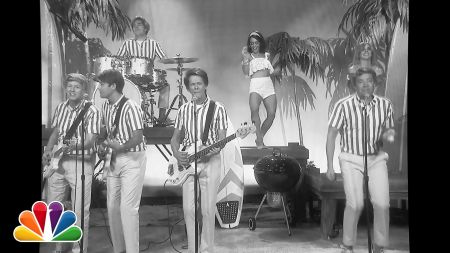 Kevin Bacon and Jimmy Fallon have fun with Beach Boys parody
