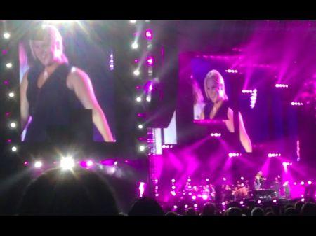 Concert review: Billy Joel rocks Wrigley with Amy Schumer, Jennifer Lawrence