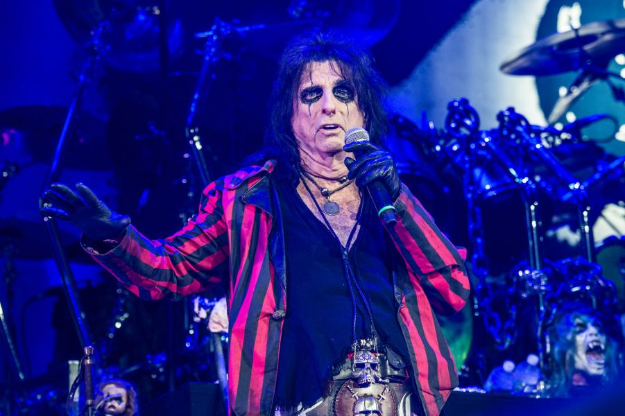 Alice Cooper performs in Cincinnati, OH at US Bank Arena on August 19, 2015