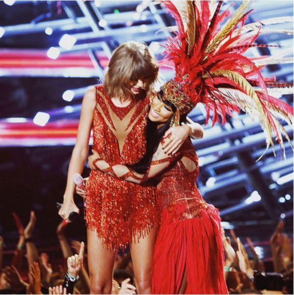 Taylor and Nicki bffs