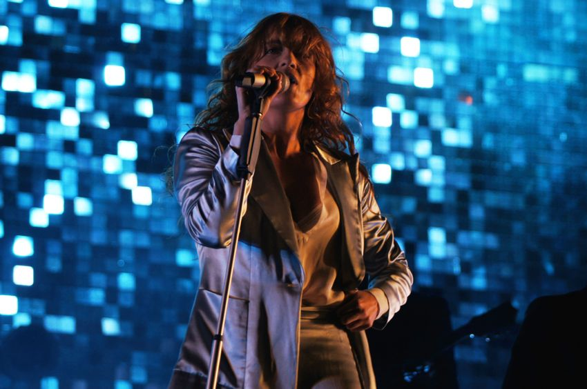 In photos: Florence and the Machine dazzle at Lollapalooza 2015