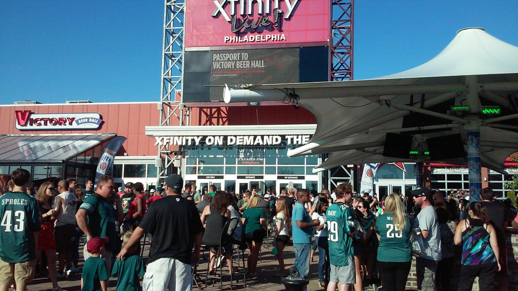XFINITY Live hopes to provide a party-like atmosphere for the football contest between Penn State and Temple.