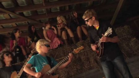 Moore Brothers perform at Dixie Classic Fair