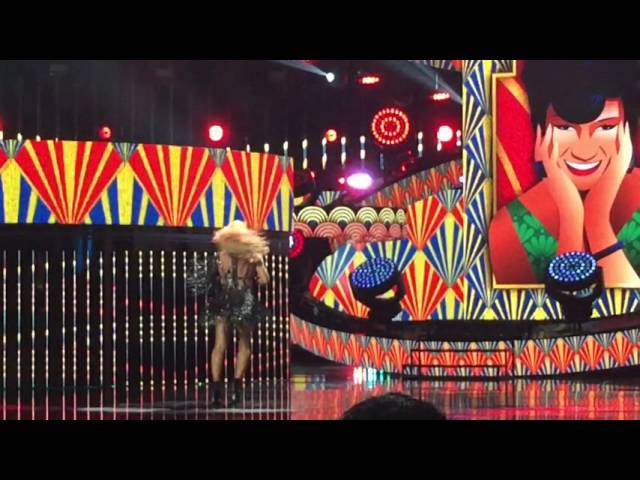 First Latin American Music Awards takes off with fashion, music and awards
