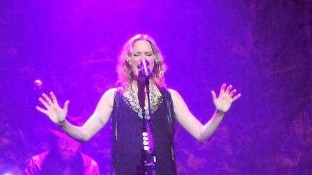 Jennifer Nettles brings new music to the House of Blues in Dallas