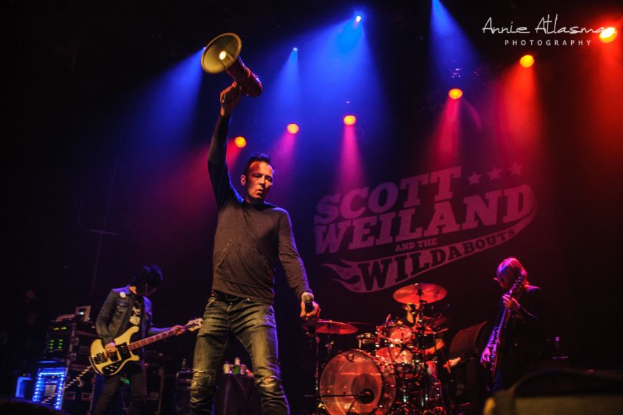 In Photos: Scott Weiland warms up NYC fans for Thanksgiving