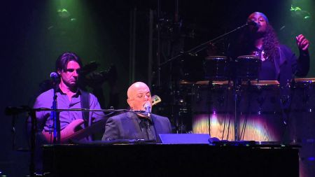 Billy Joel Sells Out Record Breaking 30th Show At Madison Square Garden Axs