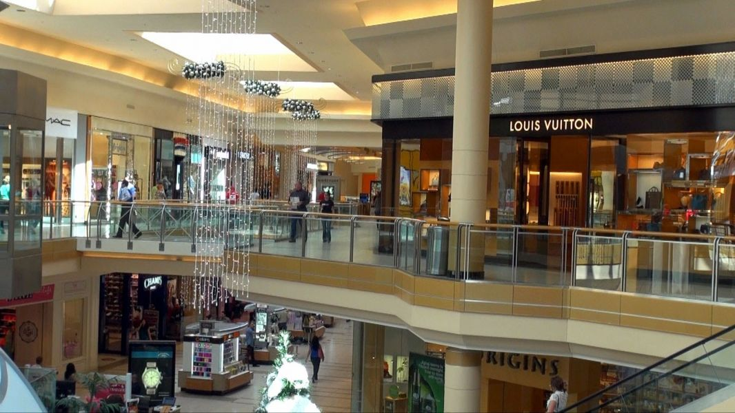 Get your holiday shopping on at these Tampa Bay area malls