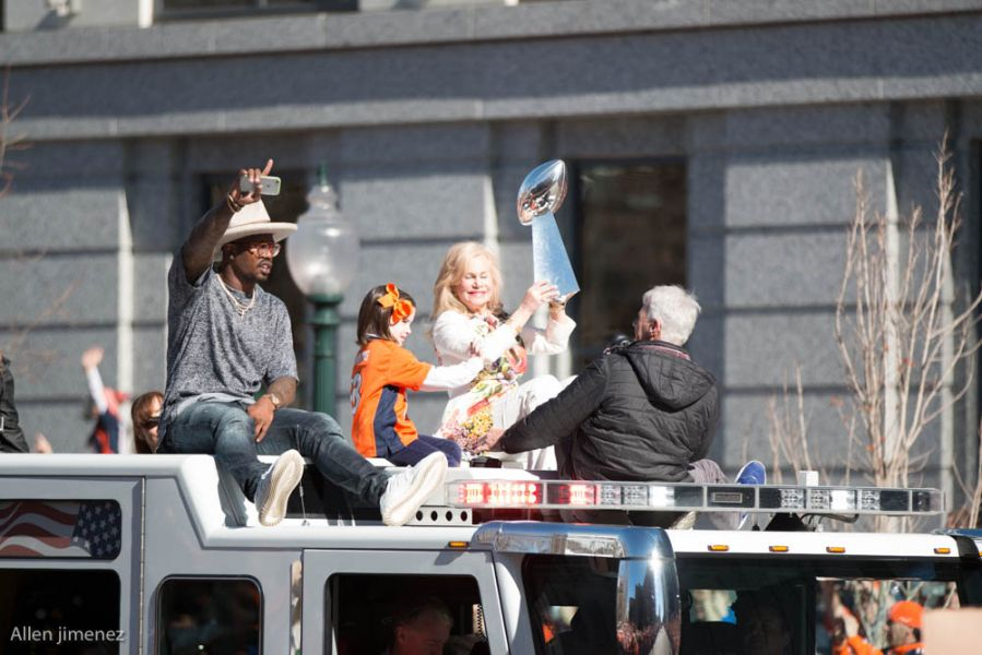 Broncos Parade Photos: Von Miller, Peyton return to Denver with Lombardi Trophy