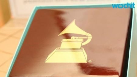 What is in the 2016 Grammy Awards gift bag?