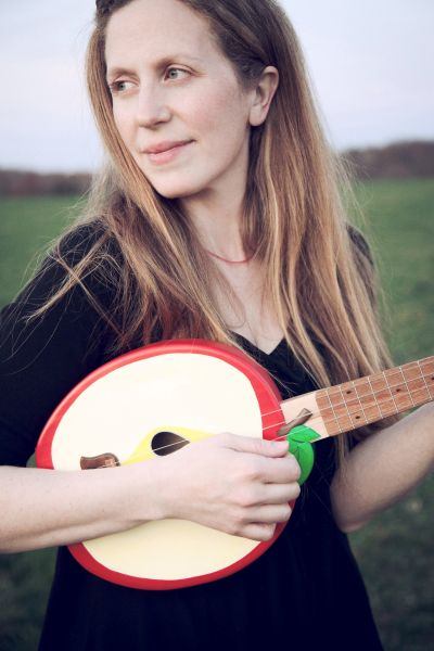 Elizabeth Mitchell will be at Symphony Space later this month.