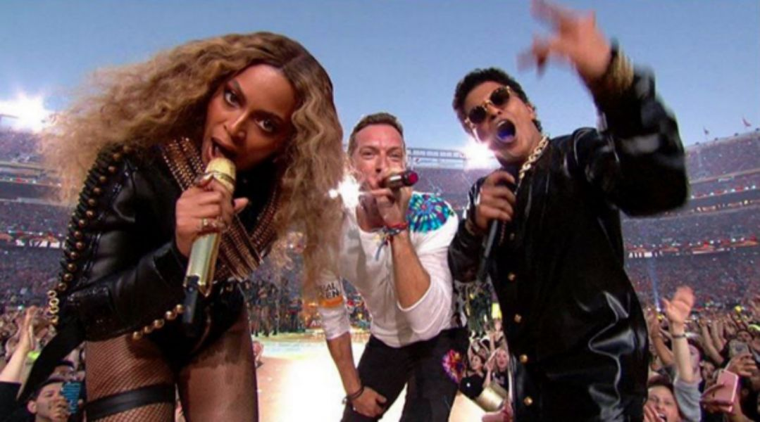 The best reactions to Coldplay, Beyonce, & Bruno Mars' ridiculous halftime show