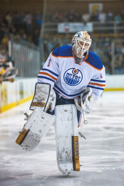 Oilers call up Brossoit and send down Nilsson