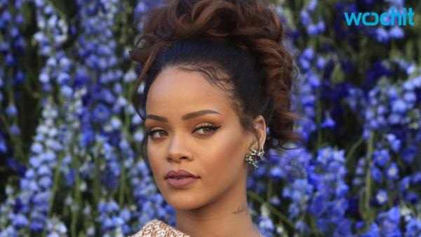 Rihanna's 'Anti' moves up to No. 1 on Top 200 Albums