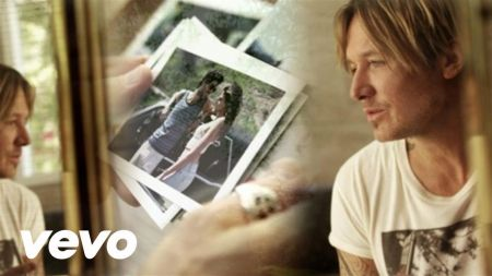 Keith Urban's 'Ripcord' holds at No. 1 on Top Country Albums chart