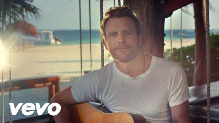 Dierks Bentley sings 'Somewhere on a Beach' on 'The Tonight Show'