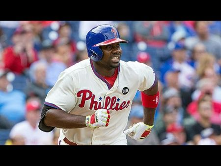 Philadelphia Phillies: Ryan Howard's status must be changed