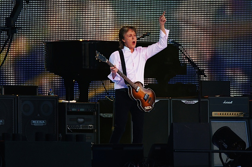 Paul McCartney performs in Chicago at Lollapalooza in 2015
