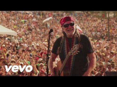 Willie Nelson celebrates launch of cannabis brand with two shows
