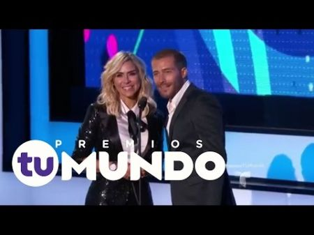 'Premios Tu Mundo' performers spread hope and peace