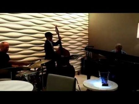 Mike Stafford Trio carves out slice of jazz heaven in sunny side of hotel lobby