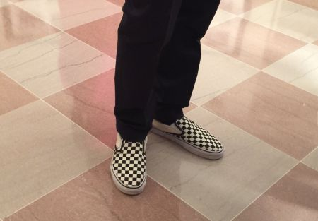 Frank Ocean made his presence known at the White House State Dinner on Tuesday sporting a pair of Vans to go with his suit.