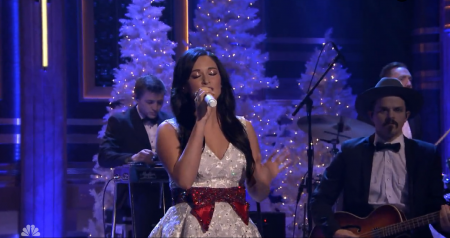 "Kacey Musgraves performs ""Present Without a Boy"" on ""The Tonight Show."""