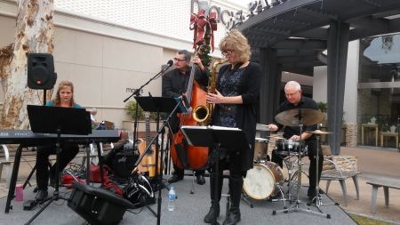 Shoppers at the Biltmore Fashion Park in Phoenix found a welcome surprise Nov. 26: Christmassy jazz by some of the area's top musicians — le