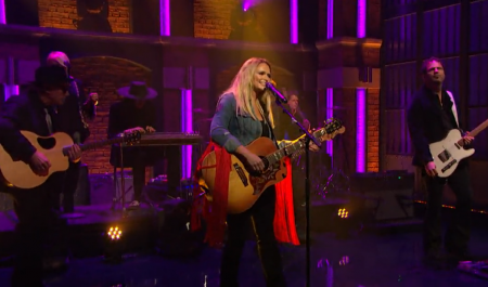 Miranda Lambert shows her guts with live TV debut of 'We Should Be Friends' on 'Late Night' (watch)