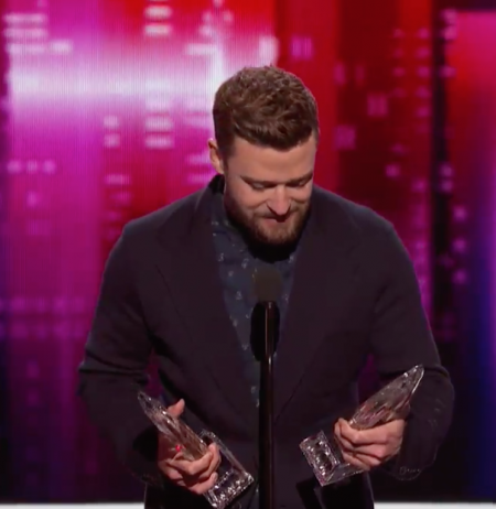 Watch: Justin Timberlake takes home two People's Choice Awards, dedicates to son