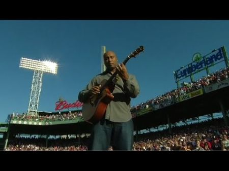 Interview: AXS sits down with former Yankee and Latin GRAMMY nominated artist Bernie Williams